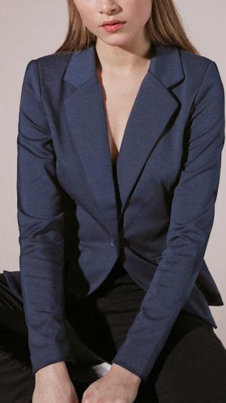 giacca blu kate indossata peccati veniali