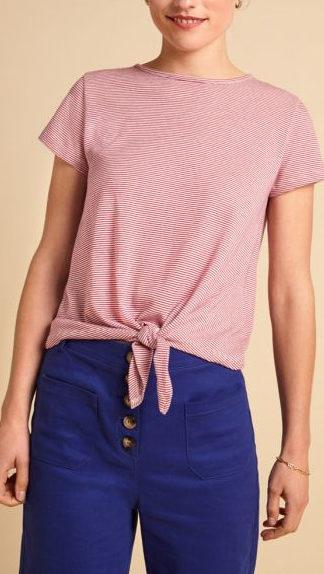 tshirt con nodo a righe ciclamino e bianco indossata peccati veniali