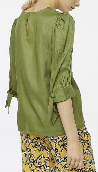 blusa verde con maniche a palloncino schiena peccati veniali