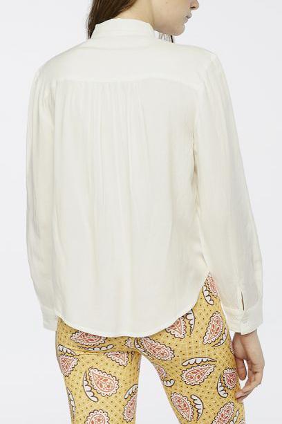 camicia bianca con fiocco schiena peccati veniali