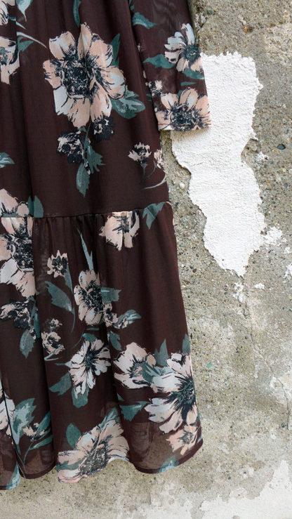 abito cioccolato fiori silvi particolare peccati veniali
