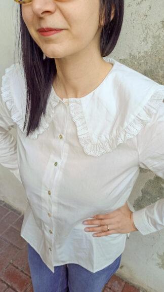 camicia bianca halyn collettone sangallo indossata particolare peccati veniali