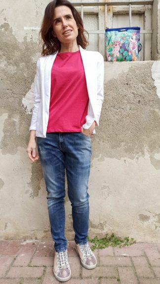 outfit giacca bianca e jeans peccati veniali